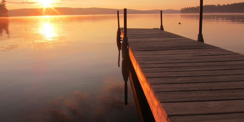 Sunrise,On,A,Dock,In,Maine